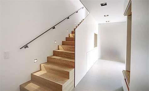 treppengeländer für raumspartreppe design treppe viertelgewendelt