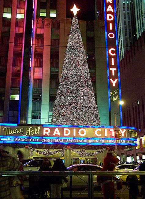 new york holiday lights bus tour