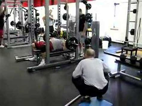 225 bench press test training to bench 225 michael boyle s strengthcoach com blog