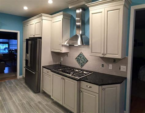 what comes flooring or kitchen cabinets carson