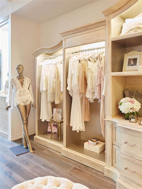 interior design ideas of a boutique best 25 small boutique ideas ideas on