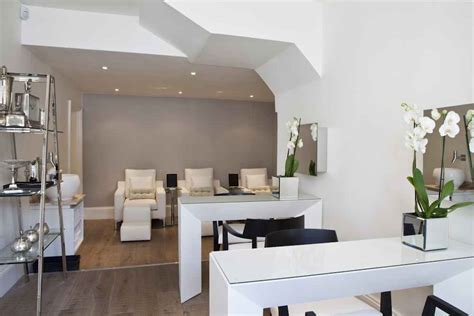 sophie gass luxury nails  fashionable notting hill