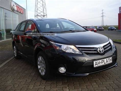 toyota avensis estate 2013 2013 toyota avensis 1 8 car photo and specs