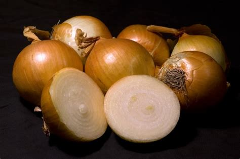 Do Onions Detox The by Check Out These Great Home Remedies Using Onions