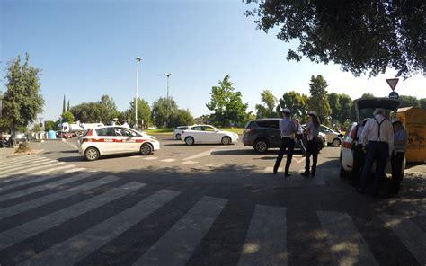 polizia municipale firenze ufficio verbali guida con il cellulare e senza cinture raffica di multe