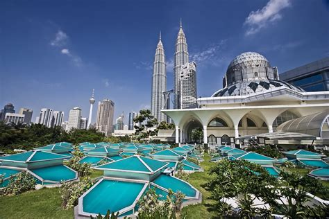 places    malaysia  family backyard travel