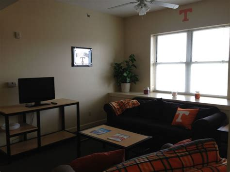 utk housing volunteer hall apartment living room volunteer hall pinterest