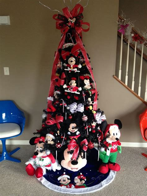 disneys frozen themed christmas tree images  pinterest frozen christmas tree