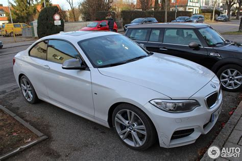 bmw m235i canada price bmw 2 series f22 in black sapphire and m235i in mineral white