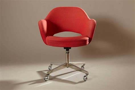 Eero Saarinen Swivel Executive Arm Chair For Knoll In Orange Swivel Chair