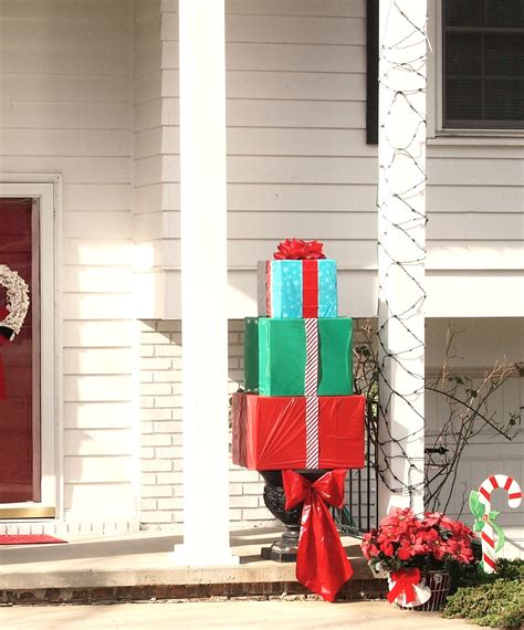 how to make an outdoor christmas present topiary a