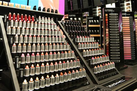 Lipstik Shop mac cosmetics a new flagship store in the