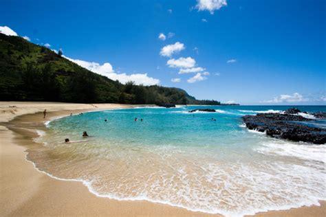 beautiful hawaii beaches 15 insanely beautiful hawaii beaches