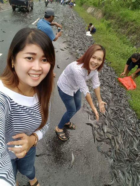 Pakan Ikan Lele Di Sungai umpan jitu mancing lele di sungai 2018 umpan hidup galak