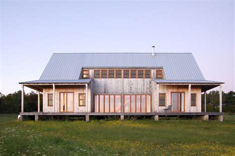 Scheune Pultdach by Wohnhaus In New Brunswick Geneigtes Dach Wohnen