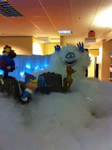 Funny Christmas Cubicle Decorating Ideas Island Of Misfit Employees Christmas Cubicle Cubicle