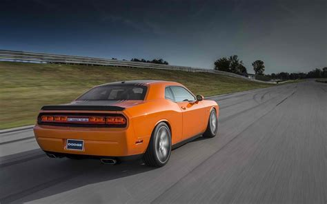 2014 dodge challenger rt shaker price mpg