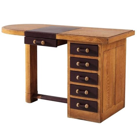 Small Oak Desk With Leather Top For Sale At 1stdibs Small Desks For Sale