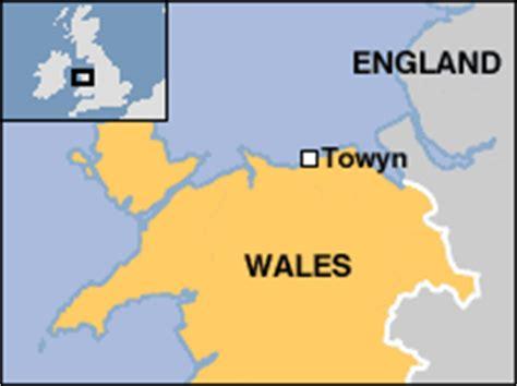 printable street map of llandudno bbc news uk wales north east wales holiday girl 8