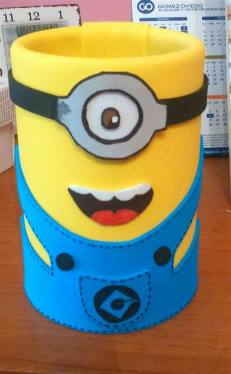 reciclar lata convertirla portalapices miniom 135 best images about minions on gum