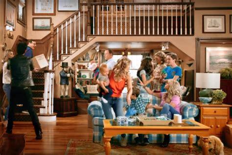 full house set to return for new series in 2014 fuller house john stamos bob saget are back on set