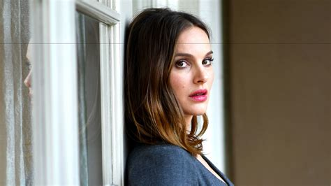 jackie and natalie portman on getting into the mind set of the widow