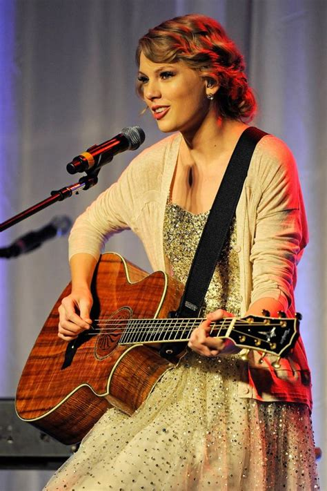 taylor swift belongs to which country getty songwriterhof11 taylorswift13 v