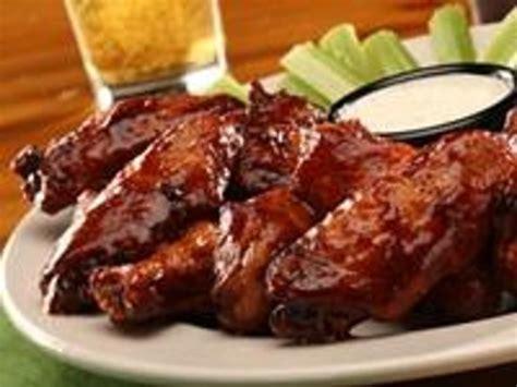 rib house bourbon molasses chicken wings foto di sticky fingers rib house greenville