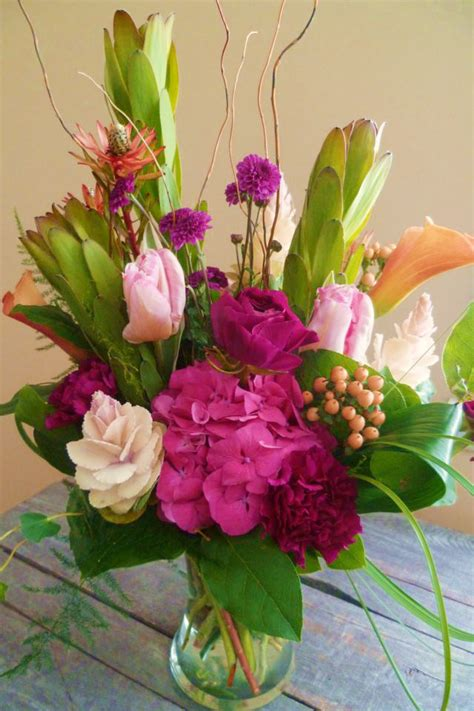 flower arrangements design florist friday recap 2 16 2 22 spring is coming