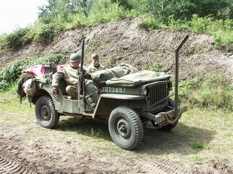 ww2 jeep front newbie question what s this metal rod in front of the
