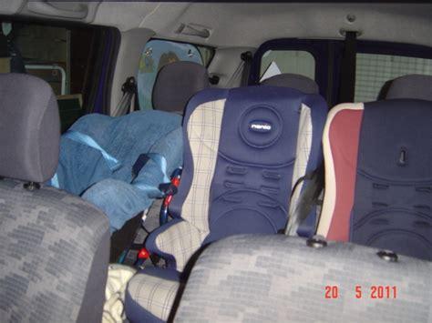 comment mettre un siege auto 3 si 232 ges enfants logan mcv 7 places dacia forum marques
