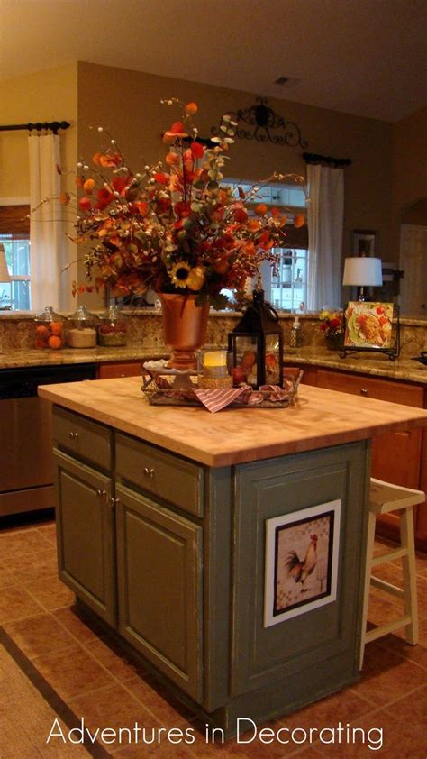Kitchen Island Centerpieces by Best 20 Kitchen Island Decor Ideas On Pinterest Kitchen