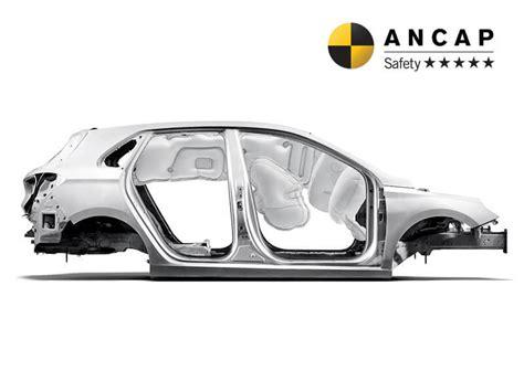hyundai i30 airbags i30 7 airbags hyundai australia