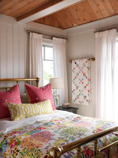 bedrooms with quilts dreamy pink bedrooms hgtv