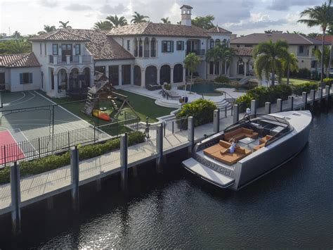 scottie pippen house now a 12 5 million package deal scottie pippen s fort lauderdale house and yacht