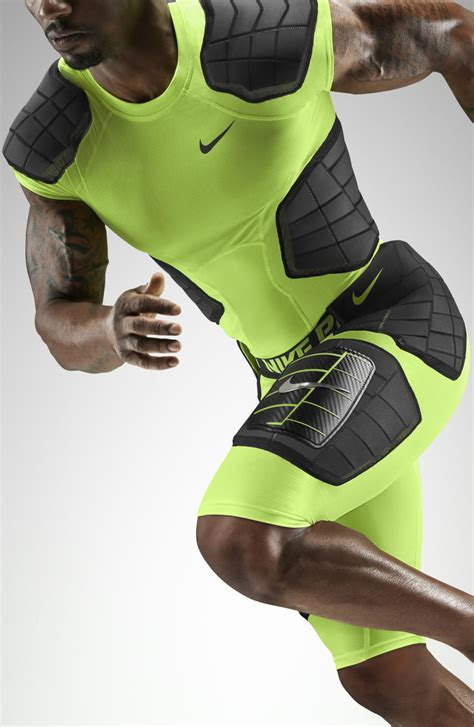 Baselayer Manset Nike Combat Stretch Pro nike pro hyperstrong taking impact protection to the next