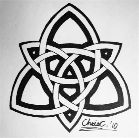celtic triquetra tattoo designs celtic triquetra by ticklemehoho on deviantart
