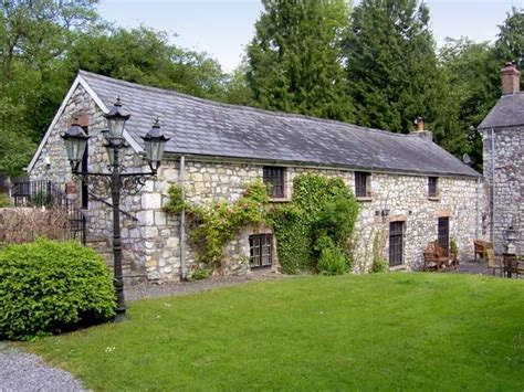 Cardiff Cottage by Pencoed Cottage Capel Llanilltern Cardiff Self