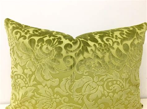 throw pillows for green couch 17 best ideas about olive green couches on pinterest