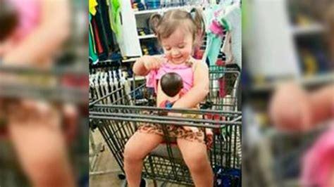 hija mamando la criticaron por una foto de su hija amamantando a un