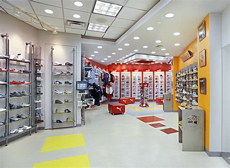 Desain Interior Toko Fotocopy | desain interior toko sepatu merk ternama catatan seorang