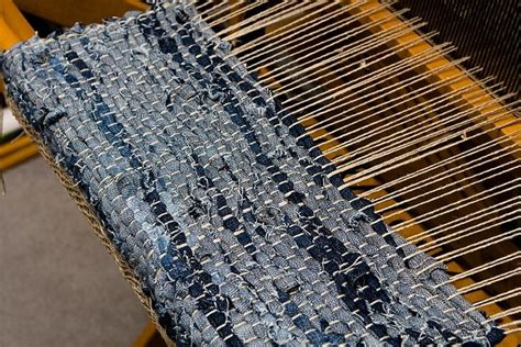 rag rug weaving denim weaving by lollyknit via flickr spinning weaving dyeing loom weaving