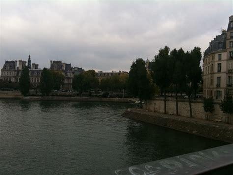 Employee Of The Week Duenas At De Montparnasse by Dans Les Moments Litt 233 Raires Bergounioux L Employ 233 E Aux