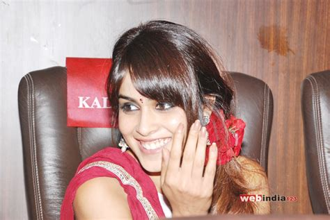 hindi film actress d souza genelia d souza photos photos genelia d souza photo