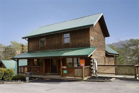 7 Bedroom Cabins In Pigeon Forge | pigeon forge seven bedroom cabin lodge big cabin family