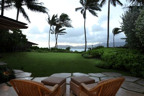 obama hawaii vacation house former obama vacation home up for rent