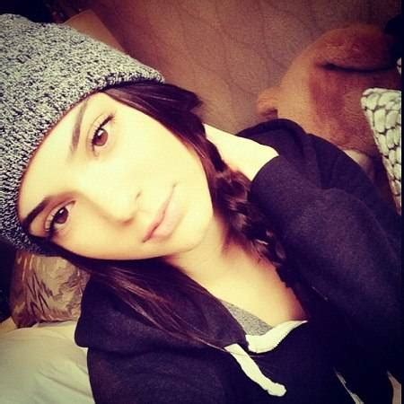 best pics staying in from kendall jenner s best instagram pics