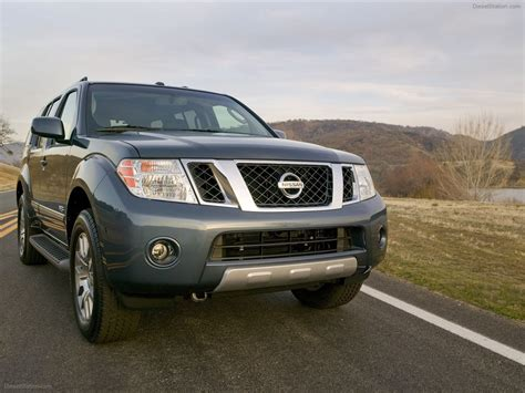 nissan pathfinder 2012 car wallpapers 02 of 24