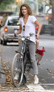 How Comfortable Are Toms Keri Russell In Bike Riding Mode With Her Son River In New