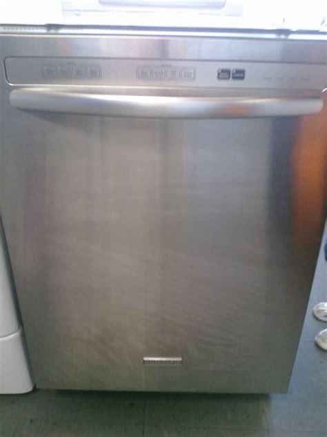 Kitchenaid Stainless Dishwasher by 9 Kitchenaid Kudc20cvss 24 Built In Dishwasher